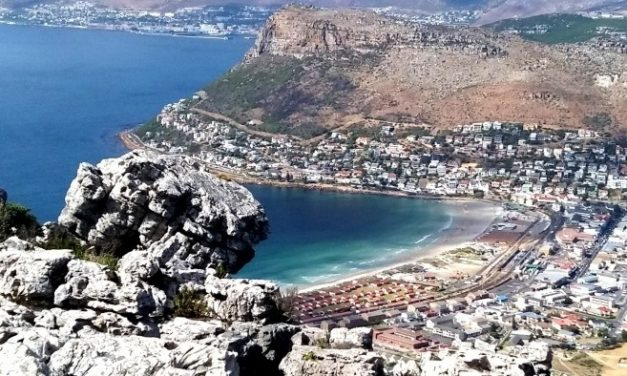 Fish Hoek beachgoers: look out for the mural in the making