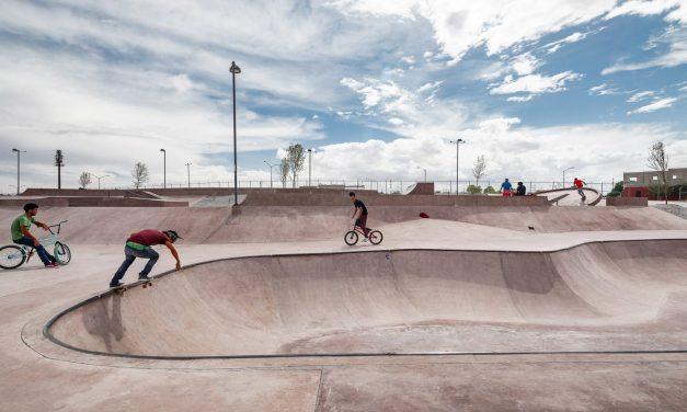 The Mexican desert influences pink concrete La Duna skatepark in Ciudad Juárez
